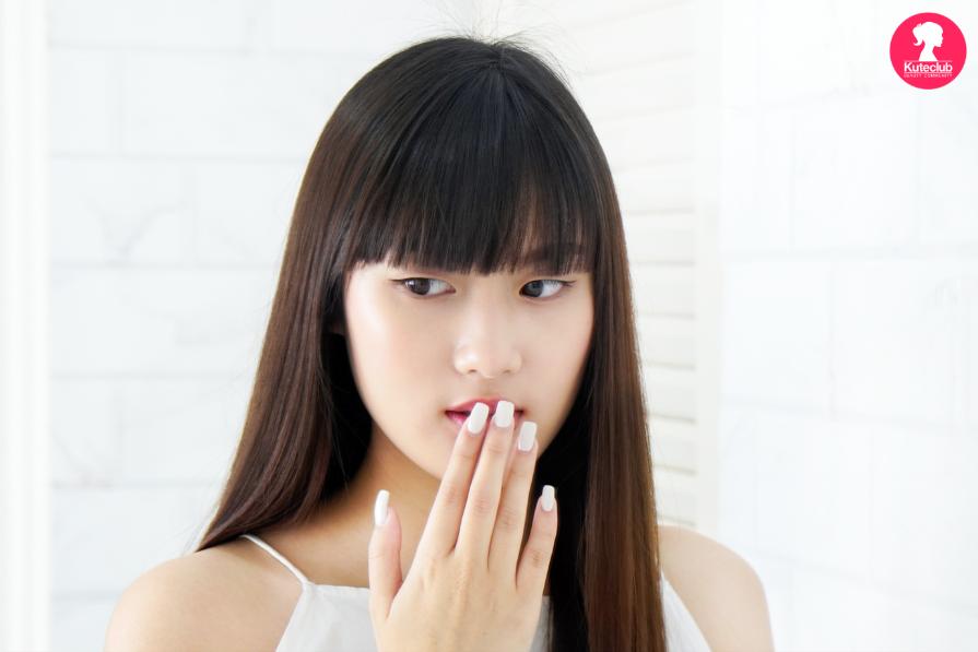 ผู้หญิง รุ่นใหม่ กังวล กลิ่นปาก